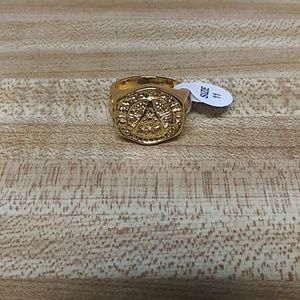 18k Yellow Gold Ring Size 11